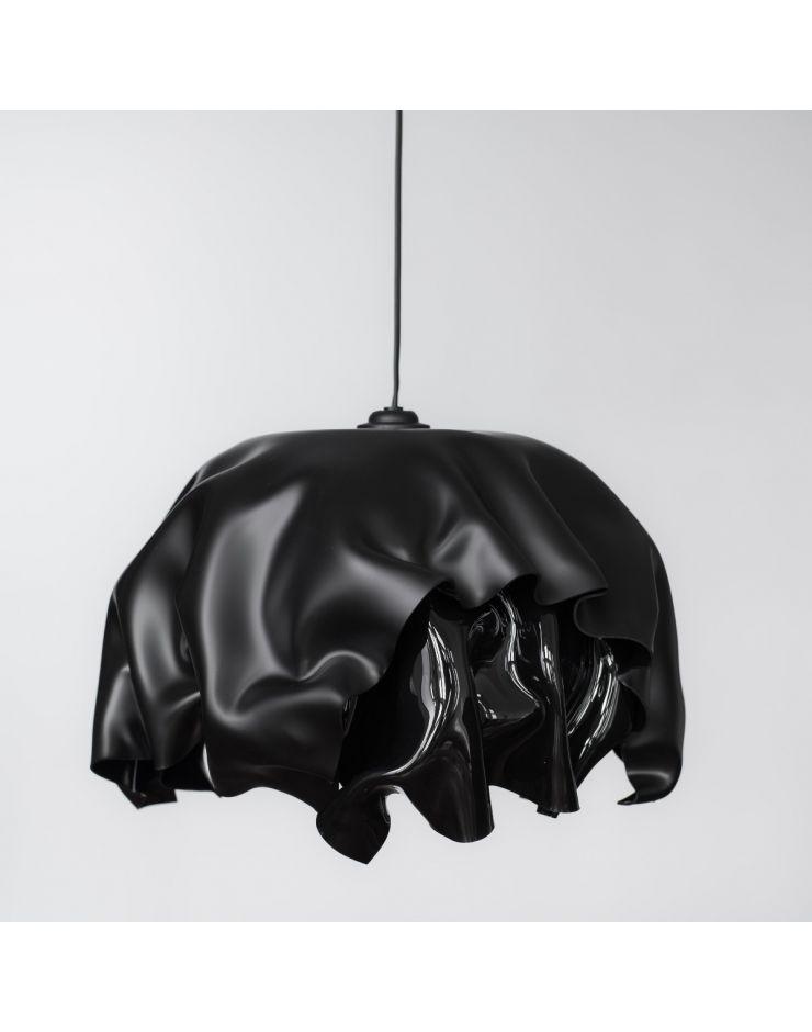 3.1 Invisible black