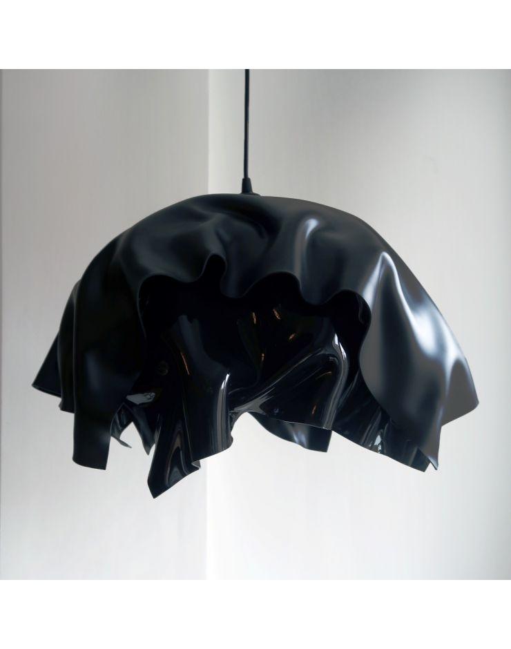 3.2 Invisible black